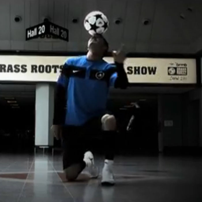 Freestyle-footballer-Billy-Wingrove-shows-off-his-skills-at-The-brmb-Grass-Roots-Football-Show