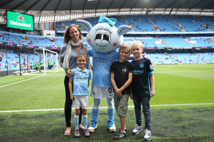 Meeting one of the Club Mascots, Moonbeam (i)